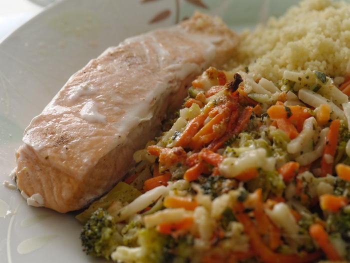 Жители Швеции занимаются спортом, много ходят пешком. Кроме того, они кушают здоровую пищу, едят много рыбы и овощей. Фото: morguefile.com