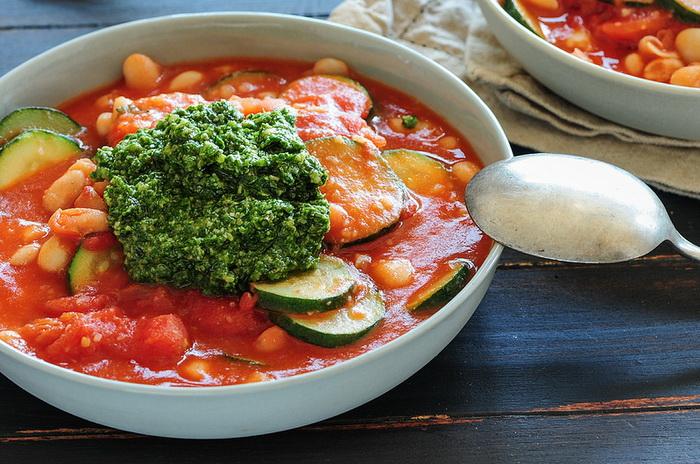 Минестра — густой суп из овощей, он прекрасно утоляет голод и не вызывает тяжесть в желудке. Фото: jules:stonesoup/flickr.com