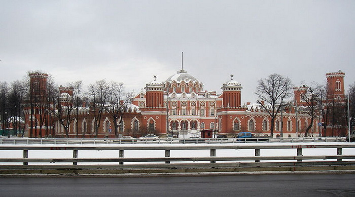 Петровский путевой дворец. Фото: Alexander Shipilin/commons.wikimedia.org