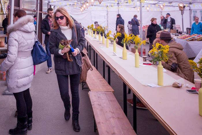 Под сенью шатра. «Душевная весна от FREEDOM MARKET». Фото: Олег Луценко/Великая Эпоха (The Epoch Times)