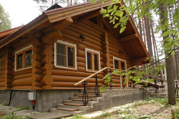 Особенности строительства дачного дома. Фото с bochkavpechatleniy.com