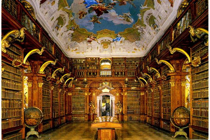 Нзваны пять лучших электронных библиотек 2013 года. Фото: oknigi.net