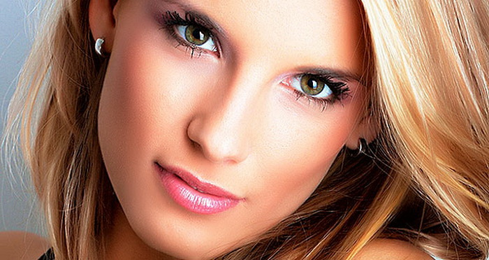 После оздоровительной процедуры мезотиерапии, в кожу попадает настоящий «коктейль» из витаминов. (Фото с boombate.com)