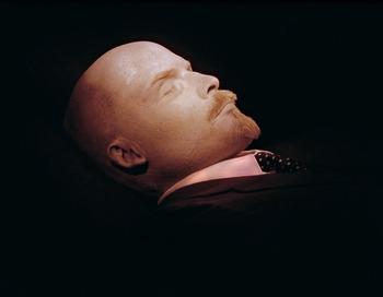 Можно ли похоронить того, о ком раньше говорили «вечно живой»? Фото:  AFP/Getty Images