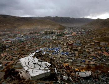 Остатки Тибетского монастыря. Фото: STR/AFP/Getty Images