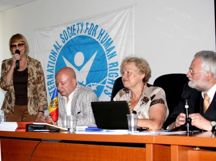 Нина Таганкина, МХГ на конференции МОПЧ. Фото: Ульяна Ким/Великая Эпоха (The Epoch Times)