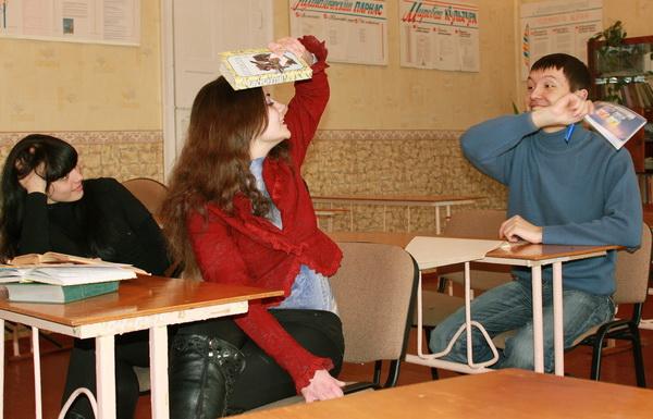 И современные студенты не против повалять дурака, когда сессия за плечами, а впереди зимние каникулы. Фото: Ирина Рудская/Великая Эпоха (The Epoch Times)