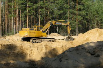 Правоохранительные органы смотрят «сквозь пальцы» на незаконную добычу песка