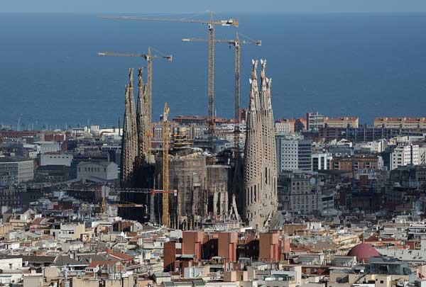 Барселона, Испания. Незаконченная церковь Антони Гауди «Святое Семейство».  Фото: Jasper Juinen/ Getty Images News