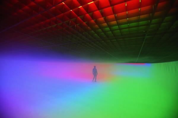 Инсталляция-среда  «Чувства – отображение фактов». Фото: Feng Li/Getty