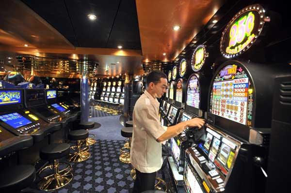 Лайнер MSC Magnifica. Игровые автоматы.  Фото: FRANCK PERRY/AFP/Getty
