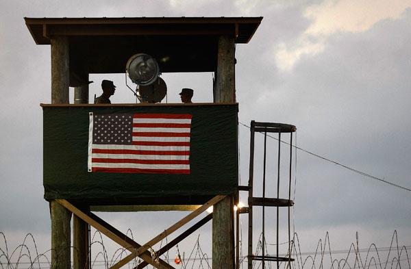 Гуантанамо (Куба). Тюрьма продолжает быть действующей спустя год после заявления Обамы об её закрытии. Фото:  John Moore/Getty Images