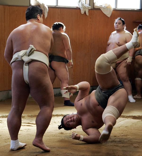 Сумо. Поединок суматори.  Фото: Junko Kimura/Getty Images