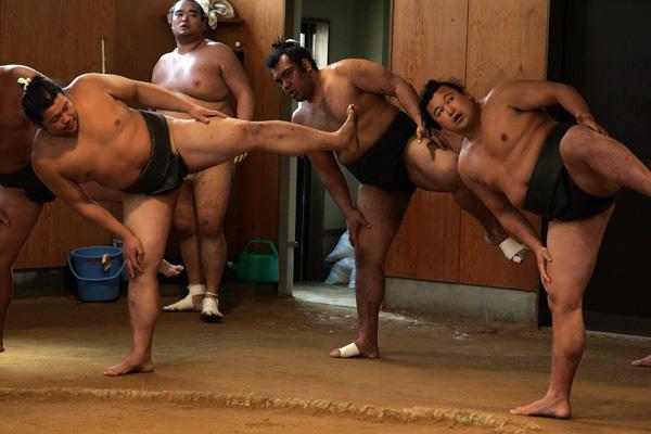 Сумо. Тренировка сумоистов.  Фото: Junko Kimura/Getty Images