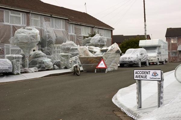 Акция безопасности на самой аварийной улице в Великобритании. Фото: Michael Blann/Getty Images