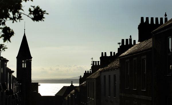 Старые крыши с дымовыми трубами г. С-Ивеса. Фото: Matt Cardy/Getty Images