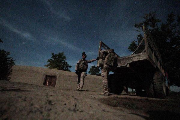 Ночной патруль солдат Бундесвера. Фото: Miguel Villagran/Getty Images
