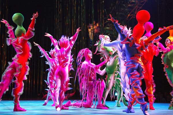 Выступление знаменитого канадского цирка Дю Солей в Кельне (Германия). Фото: Stefan Menne/Getty Images