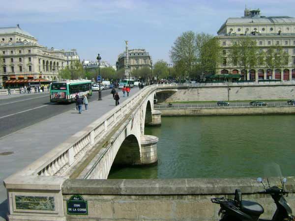 Один из мостов Парижа. Фото: Ирина Павловская/Великая Эпоха
