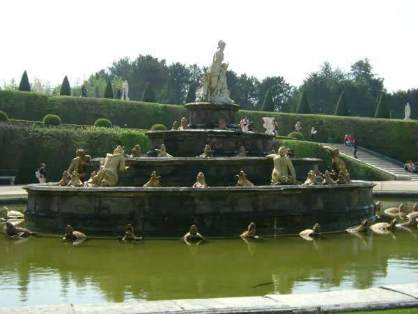 Фонтаны Версаля работают только в воскресенье. Фото: Ирина Павловская/Великая Эпоха