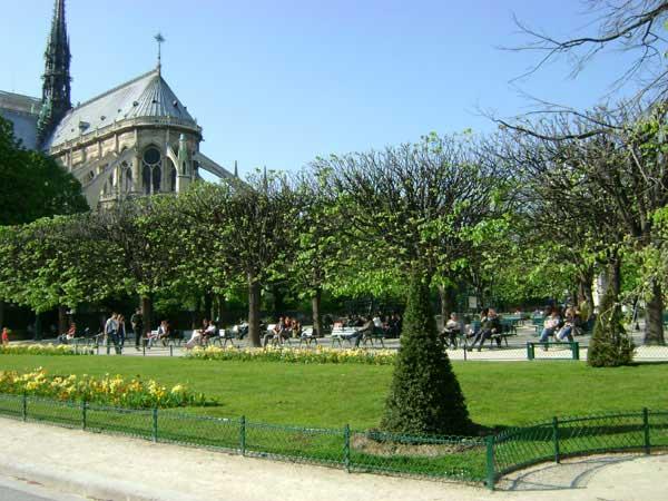 В Париже множество парков и садов. Фото: Ирина Павловская/Великая Эпоха