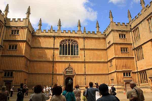 Оксфорд. Вход в библиотеку.  Фото: Ирина Рудская/Великая Эпоха