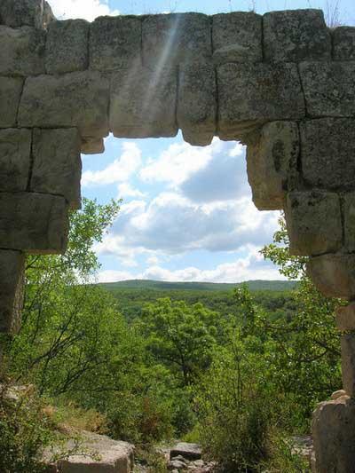 Ворота крепости. Крепость Сюйрень. Фото: Алла Лавриненко/ Великая Эпоха