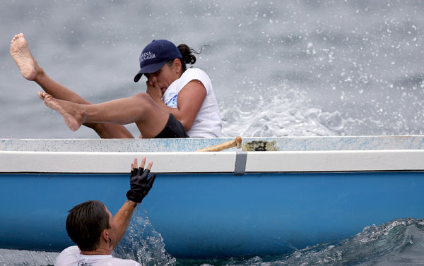 Тренировки спортсменов-гребцов на каноэ недалеко от берега Марины Дель Ри, Калифорния. Фото: Jonathan Moore/Getty Images