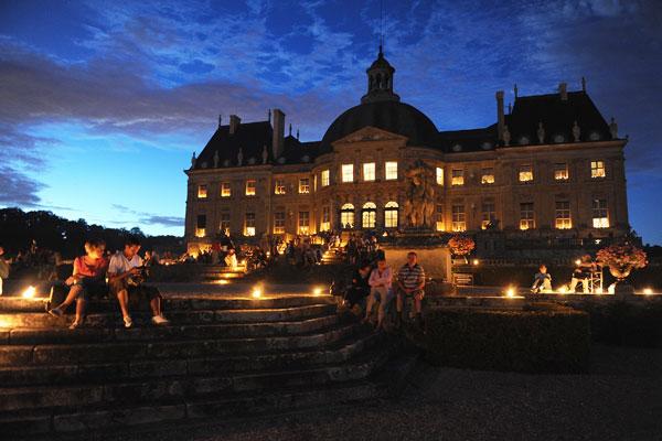 Замок Во-ле-Викомт в свете 2 000 свечей. Фото: Pascal Le Segretain/Getty Images