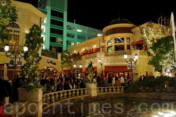 Рождественская ёлка в Лос-Анджелесе. Фото: epochtimes.com