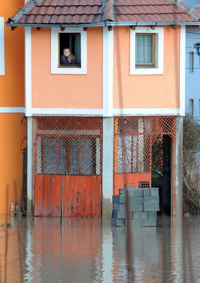 На Балканах бушует водная стихия. Сараево, Босния и Герцеговина. Фото: ELVIS BARUKCIC/AFP/Getty Images