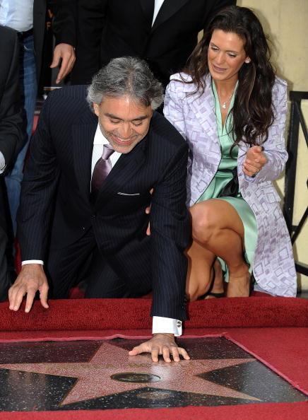 Звезда итальянского тенора Андреа Бочелли засияла на Аллее Славы в Голливуде. Фоторепортаж. Фото Getty Images