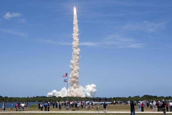 «Атлантис» успешно стартовал с космодрома Кеннеди на мысе Канаверал. Фоторепортаж. Фото: Matt Stroshane/Getty Images