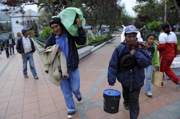 Активизировались вулканы в Эквадоре и Гватемале. Тысячи человек были вынуждены покинуть свои дома. Фото: RODRIGO BUENDIA/AFP/Getty Images