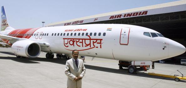 Разбился пассажирский самолет Boeing 737-800 авиакомпании Air India Express.  Фото: SAJJAD HUSSAIN/AFP/Getty Images