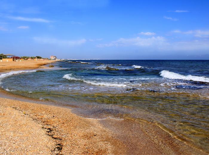 Феодосия. Пляж за городом. Фото:: Ирина Рудская/Великая Эпоха (The Epoch Times)