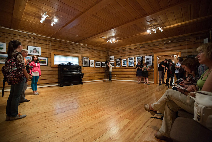 Детская фотовыставка «Мой мир» открылась в Иркутске. Фото: Николай Ошкай/Великая Эпоха (The Epoch Times)