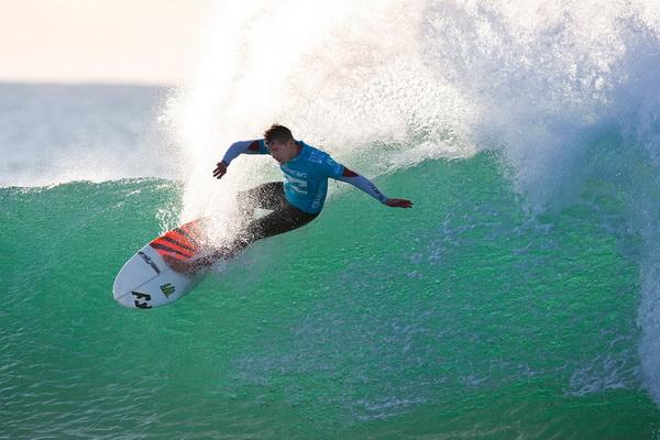 Энди Айронс из Гавайев занял девятое место в общем зачете на соревновании «Billabong Pro Jeffreys Bay» 17 июля. Фото: Kirston Scholtz