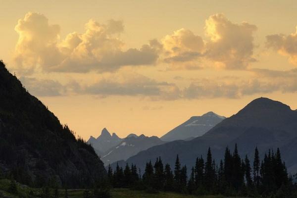 Перевал Логан в Национальном парке Глейшер, штат Монтана. Фото: Джейсон Сэмпсон