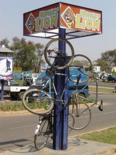 Велосипеды рулят. Фото с сайта: fishki.net