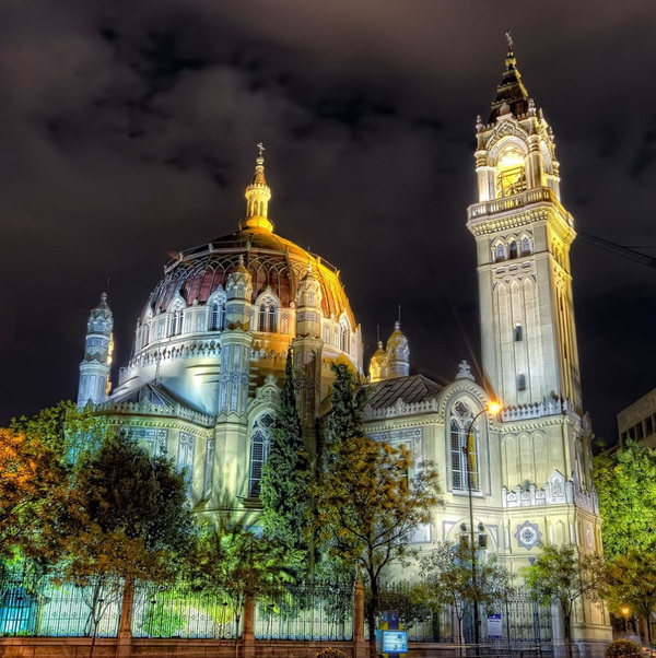 Архитектура Испании. Церковь святого Мануэля и Бенито в Мадриде. Фото: bigpicture.ru