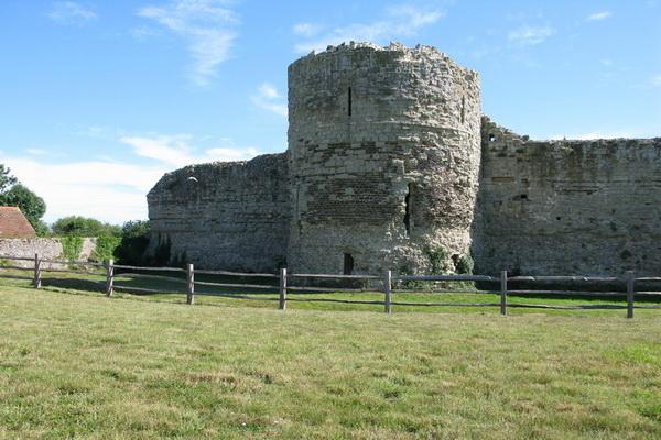 Замок Пивенси. Фото с сайта latinfo.lv