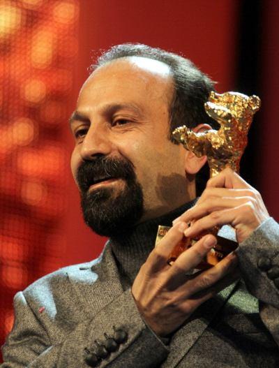 Иранский режиссер Асгар Фархади  получил«Золотого  медведя» за лучший фильм. Фото: VALERY HACHE/AFP/Getty Images