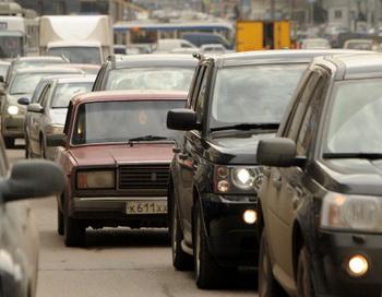 Россияне смогут зарегистрировать автомобиль в любом регионе страны. Фото: Kirill Kudryavtsev/AFP/Getty Images