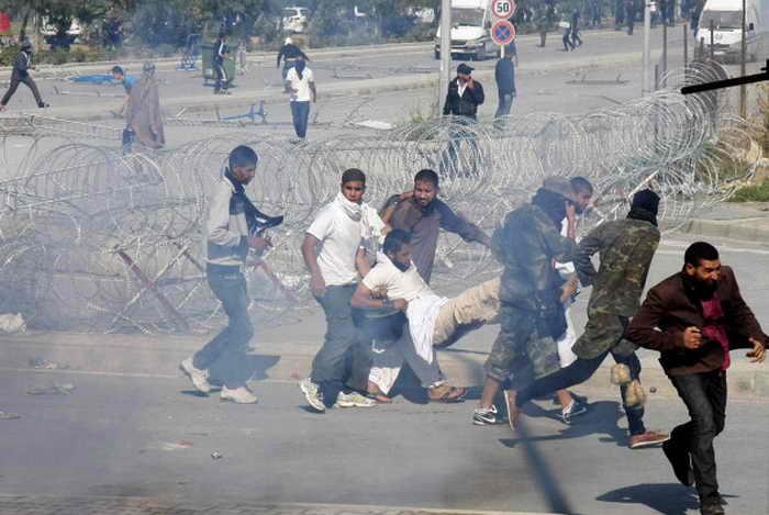 Тунис.  Серия новых нападений на посольство США. Фото: Fethi Belaid/AFP/Getty Images.