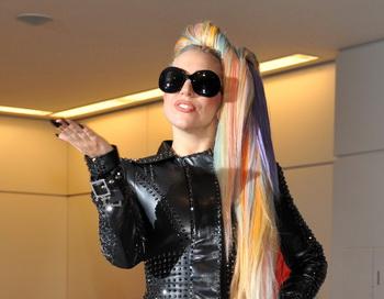 Леди Гага прибыла 8 мая в аэропорт Нарита в рамках своего турне по Азии. Фото: KAZUHIRO NOGI/AFP/GettyImages