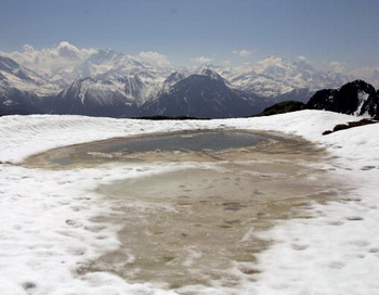 Таяние ледников. Фото: Jonannes Simon/Getty Images News