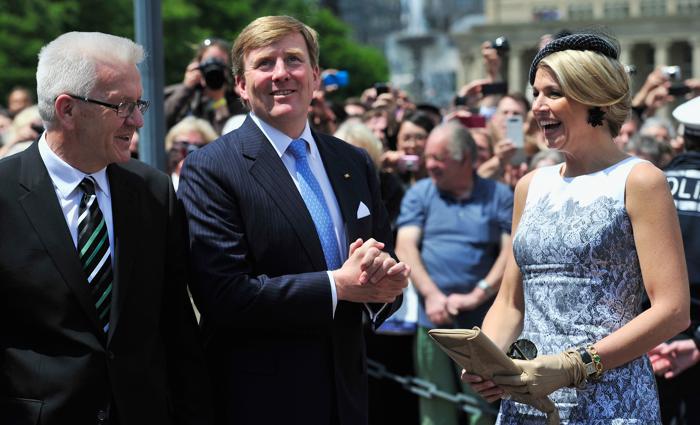 Король Виллем-Александр с женой королевой Максимой прибыли в Штутгарт. Фото: Lennart Preiss/Getty Images