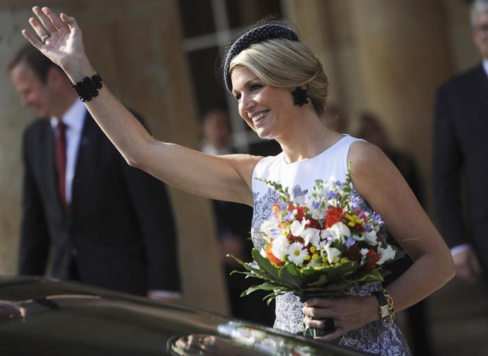 Король Виллем-Александр с женой королевой Максимой прибыли в Штутгарт. Фото: Daniel Kopatsch/Getty Images