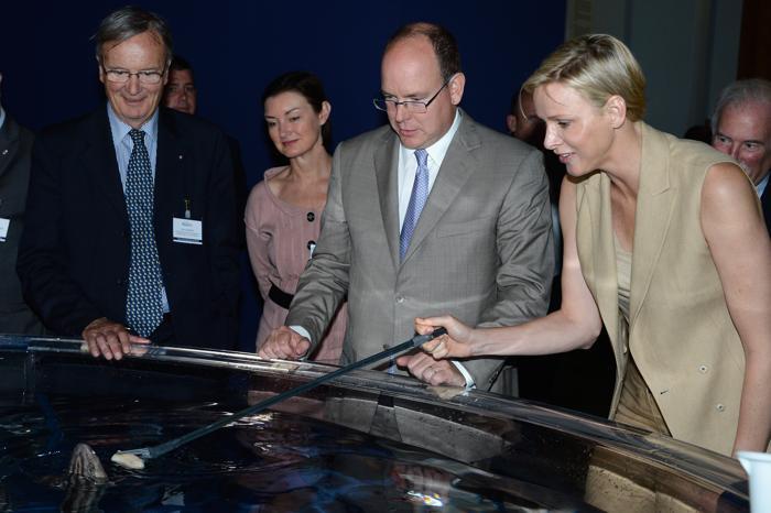 Принцесса Монако Шарлин и князь Альбер II посетили столичный океанографический музей. Фото: Pascal Le Segretain/Getty Images